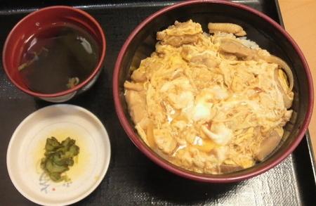 fujisoba-oyakodon04.jpg